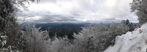 11油日岳参籠所前からの展望.jpeg
