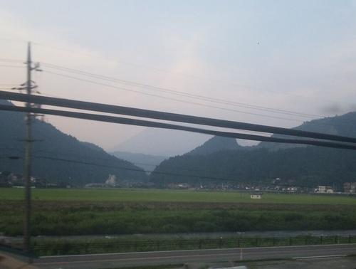 伯備線車窓からの伯耆大山.jpg