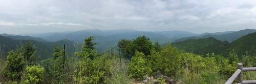 又剱山に向かう道から大峰山系を望む午前の光景.jpg