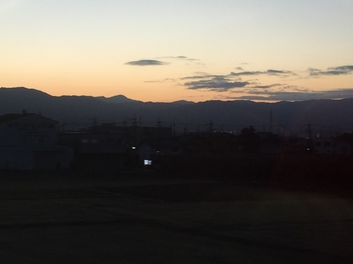 大和青垣の朝焼け1(筒井付近から).jpg