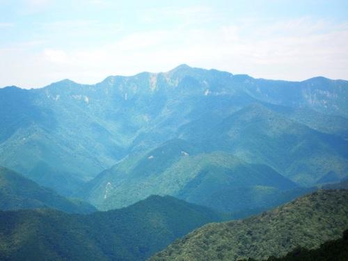大普賢岳(林道の展望台から).jpg