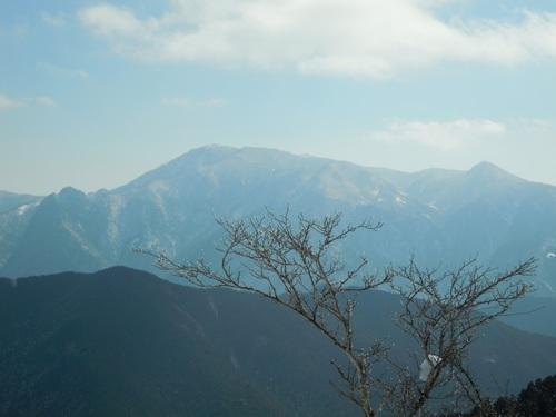 弥山(中央)と鉄山(左)・頂仙岳(右).jpg