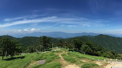 日出ヶ岳から大峰主脈を望む.jpg