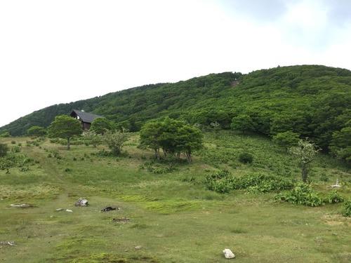 明神平から国見岳方面を望む.jpg
