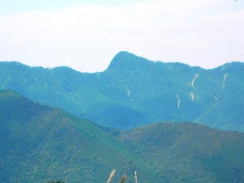 行者還岳(林道の展望台から).jpg