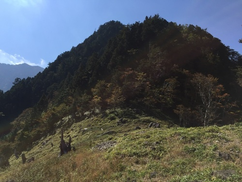 鉄山直下の別天地.jpg