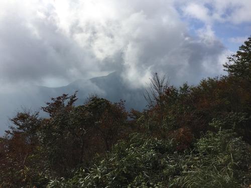 雲湧く御前山.jpg