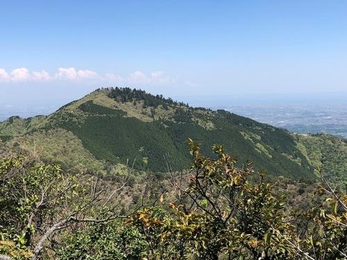 2南尾根から見る野登山.jpeg