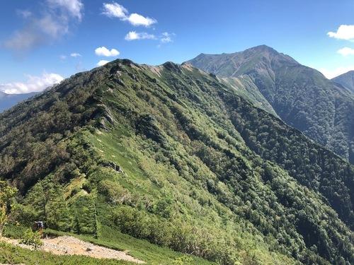 8大天井岳をめざす稜線.jpeg