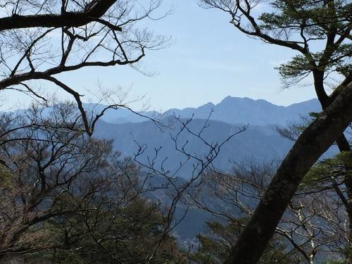 弥山・大普賢岳方面を望む.JPG